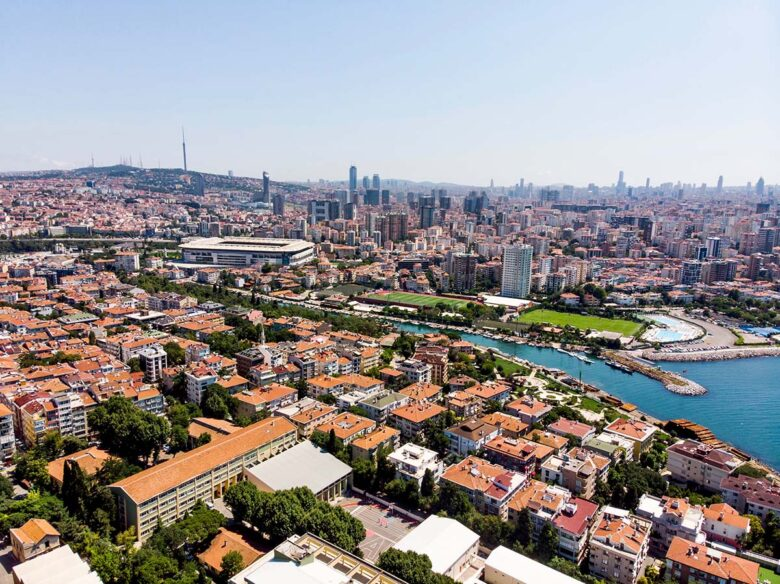 Best districtis to stay in Istanbul: Kadikoy