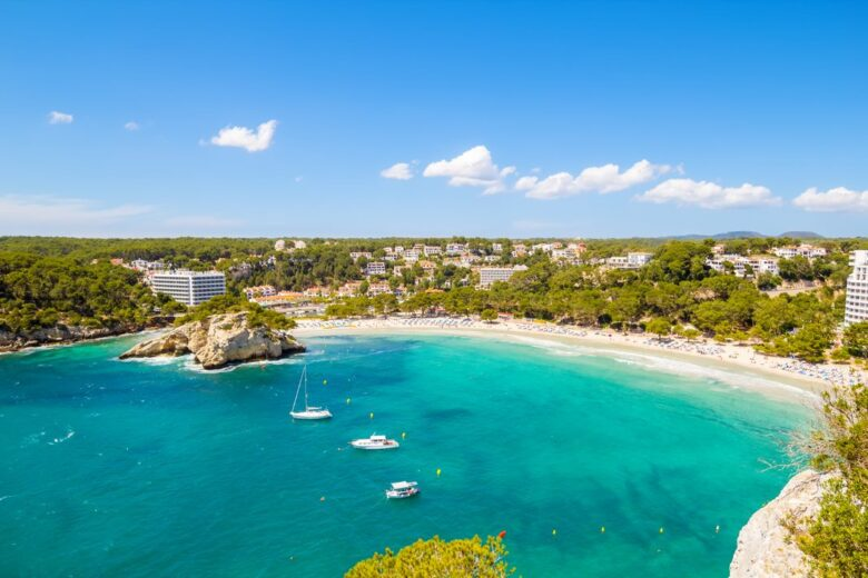 Accommodation in Menorca: Cala Galdana