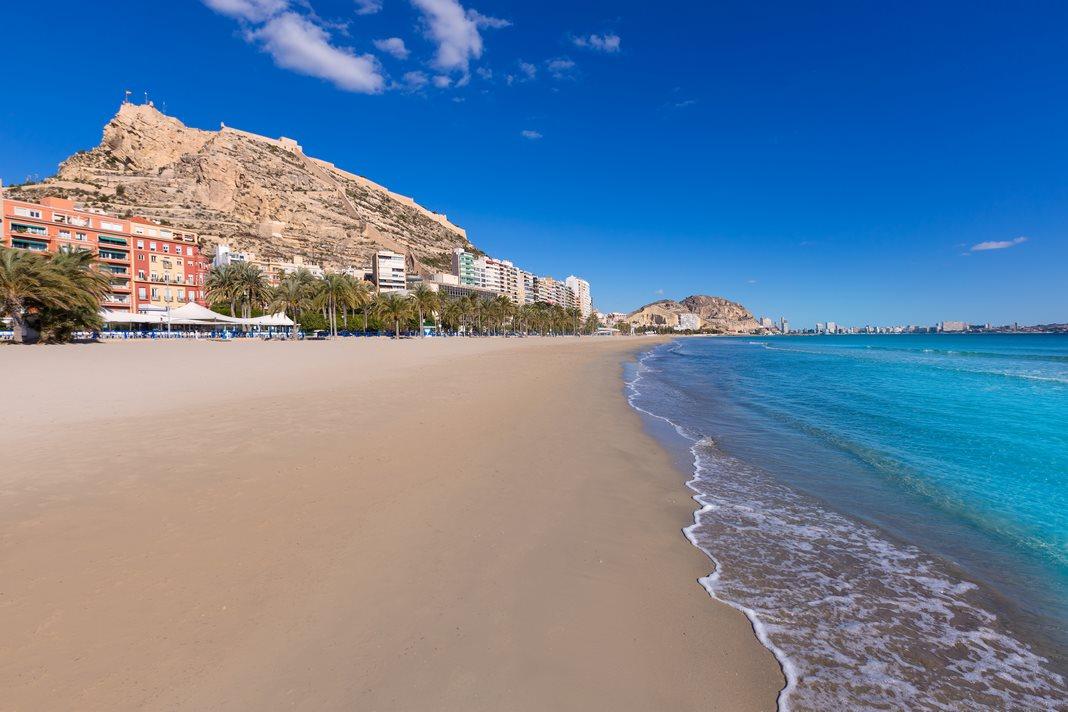 Where to stay in Alicante: Postiguet Beach