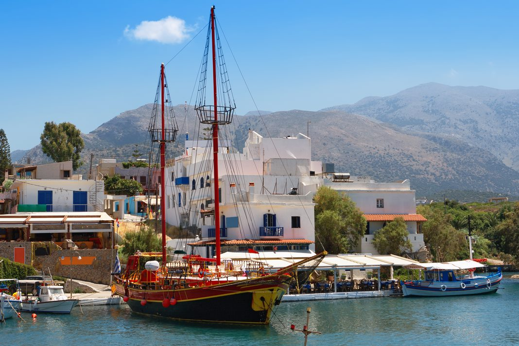 Best areas to stay in Crete: Sissi