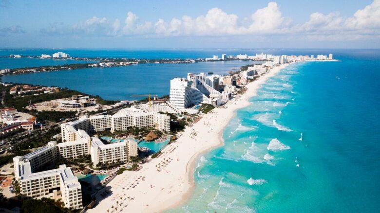 Where to stay in Cancun: Zona Hotelera