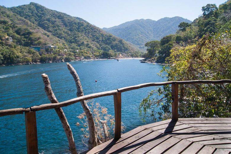 Boca de Tomatlan to enjoy stunning beaches and fantastic dining
