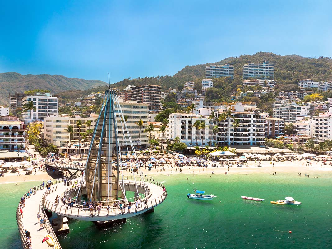 What to do in Puerto Vallarta: Playa Los Muertos, the site of unstoppable action