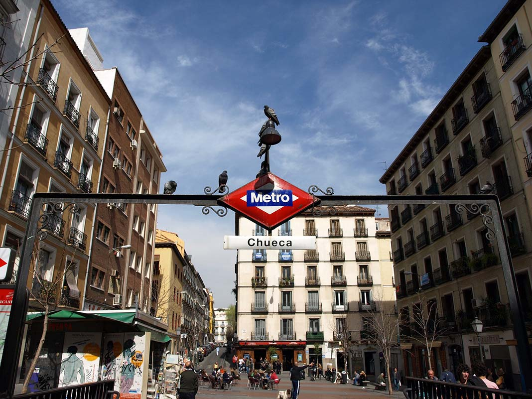 Chueca is a youthful and bohemian neighborhood to stay in Madrid and enjoy the nightlife