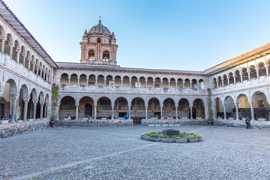 Visit the Convent of San Domingo in Cusco