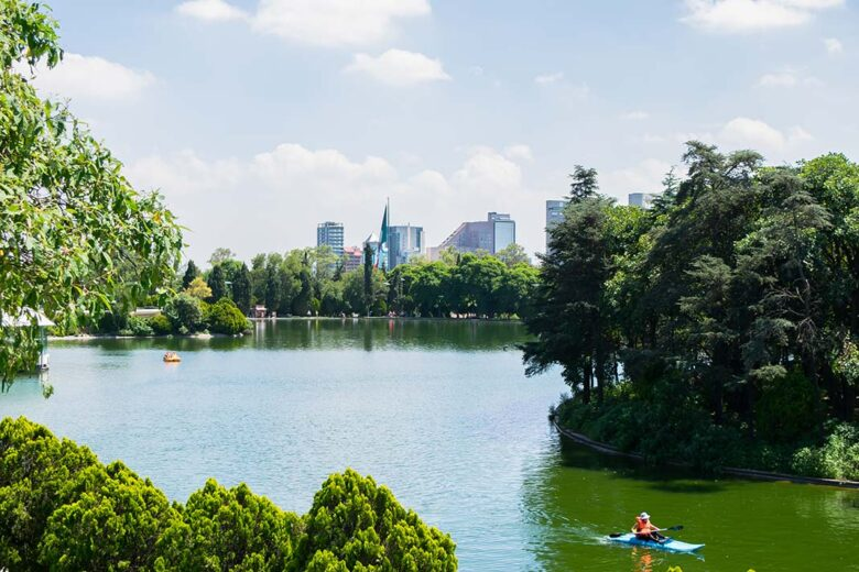 One of the best things to do in Mexico City:: Get Lazy at Chapultepec Park