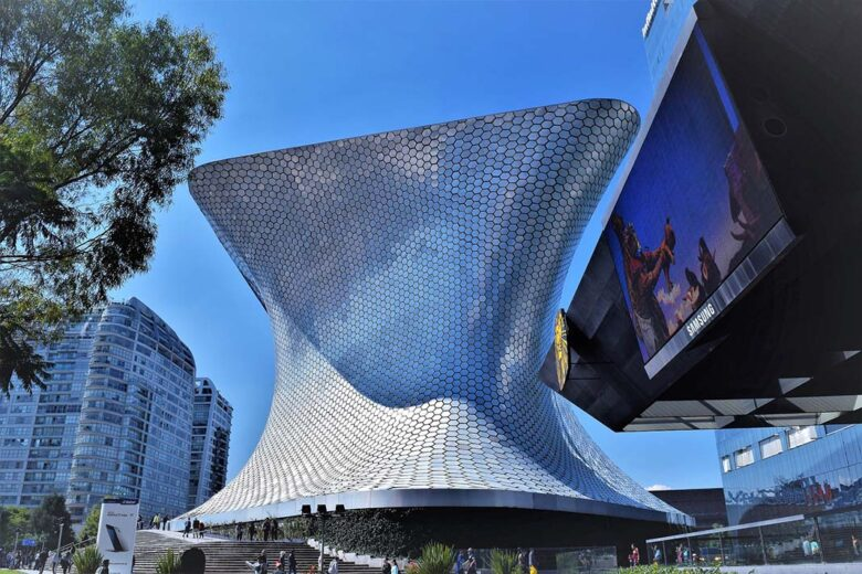 Take in the Art at Museo Soumaya to do in Mexico City