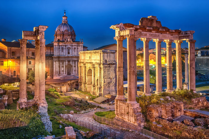 Stay in Rome: The Ancient Rome, best neighborhood for sightseeing