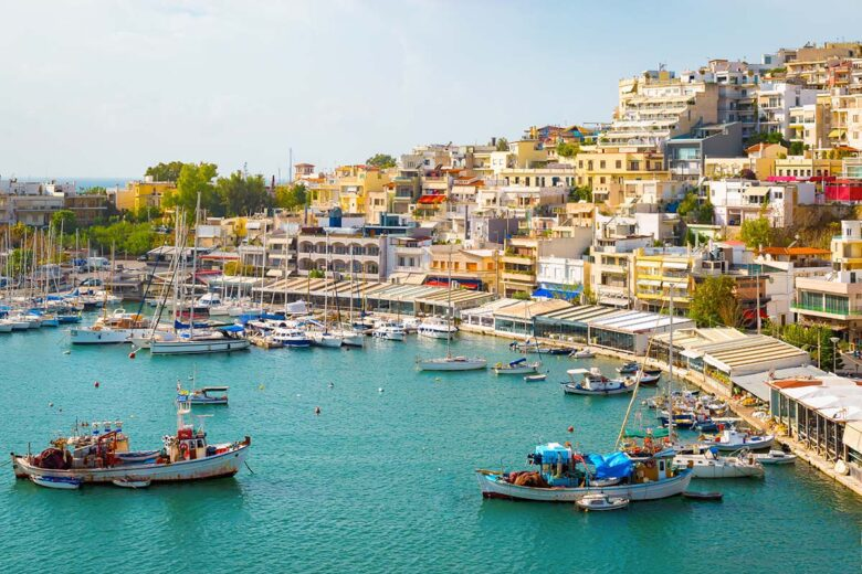 Piraeus, great seafood restaurants to stay in Athens