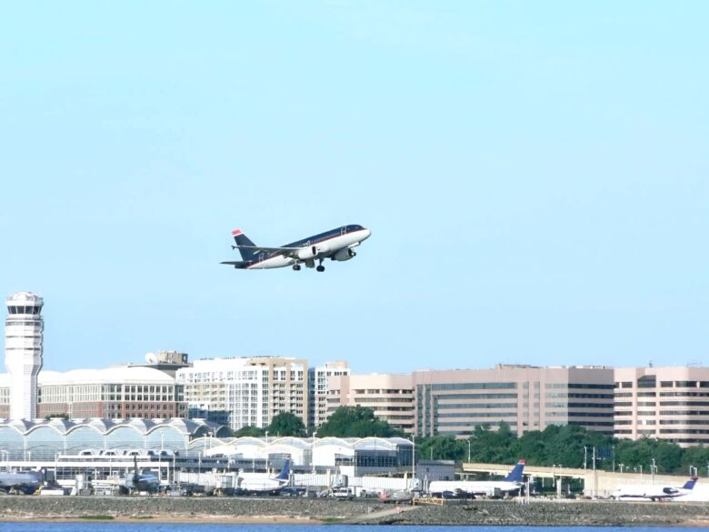 How to get from Ronald Reagan Airport to Washington DC