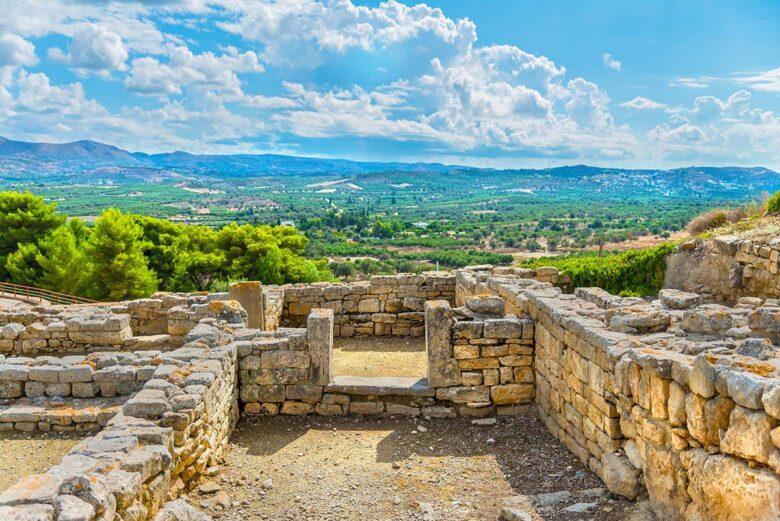 Visit Phaistos Palace in Creta