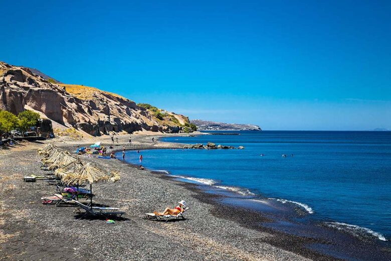 Karterados, to stay close to Fira and beaches in Santorini