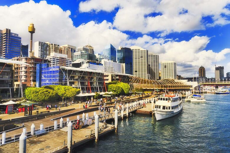 Darling Harbour: a place to stay in Sidney