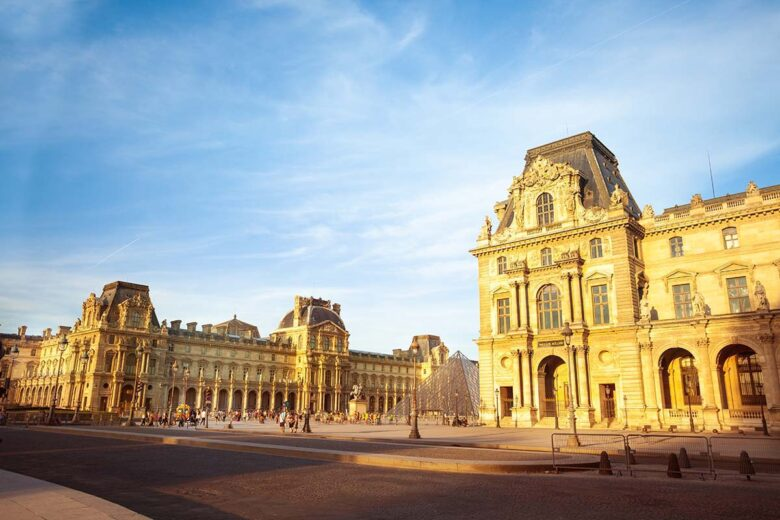 Louvre, best neighborhood in Paris for sightseeing