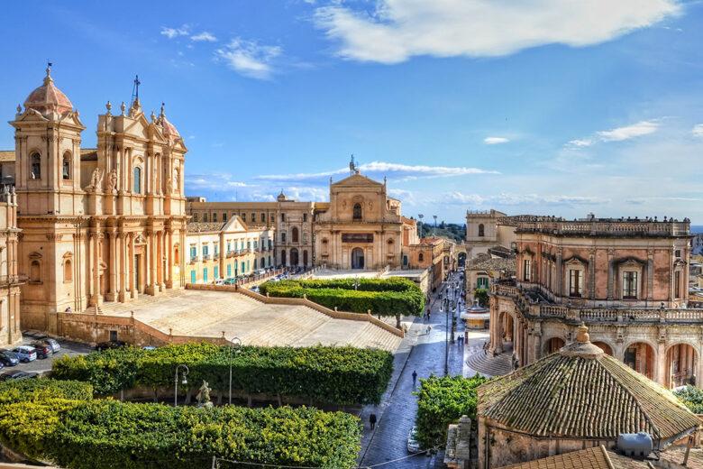 Stay in Sicily: Noto