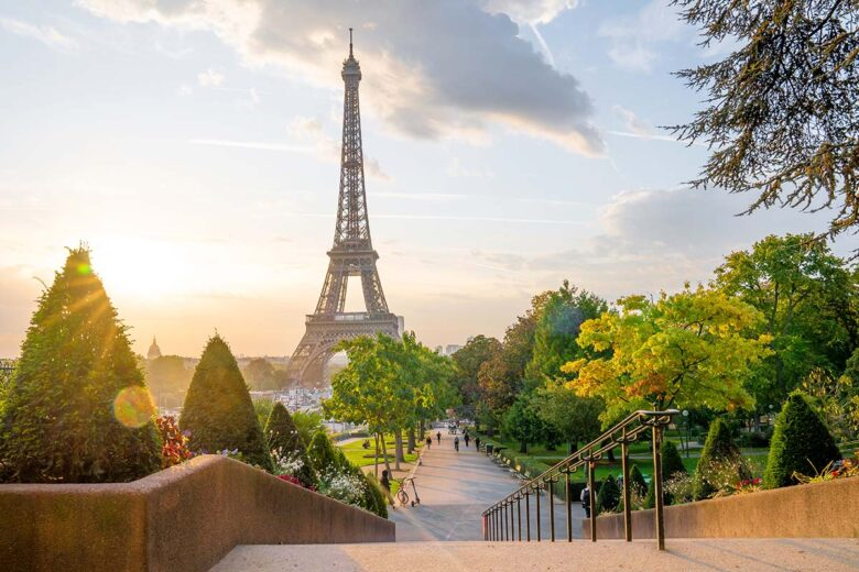 Eiffel/Faubourg Saint-Germain, good place to stay in Paris for first-timers