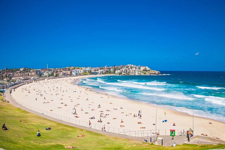 Bondi is where you prefer to stay in Sidney