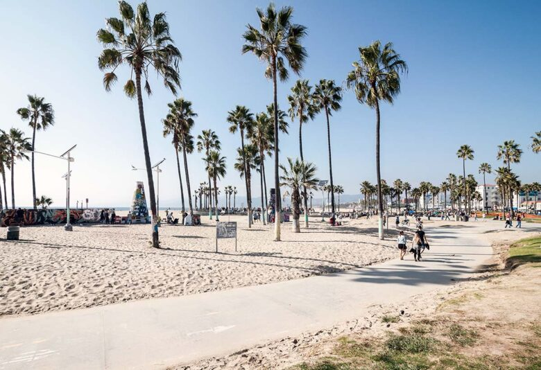 Venice Beach, where to stay in Los Angeles on a budget and great beach experience