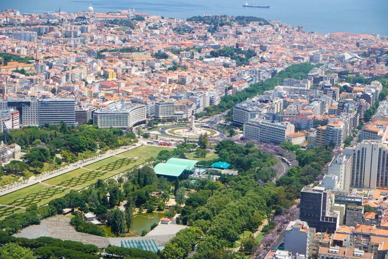 Avenida da Liberdade, not a district, but a luxurious place to stay in Lisbon