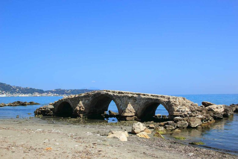 Argassi, a holiday destination for all to stay in Zakynthos
