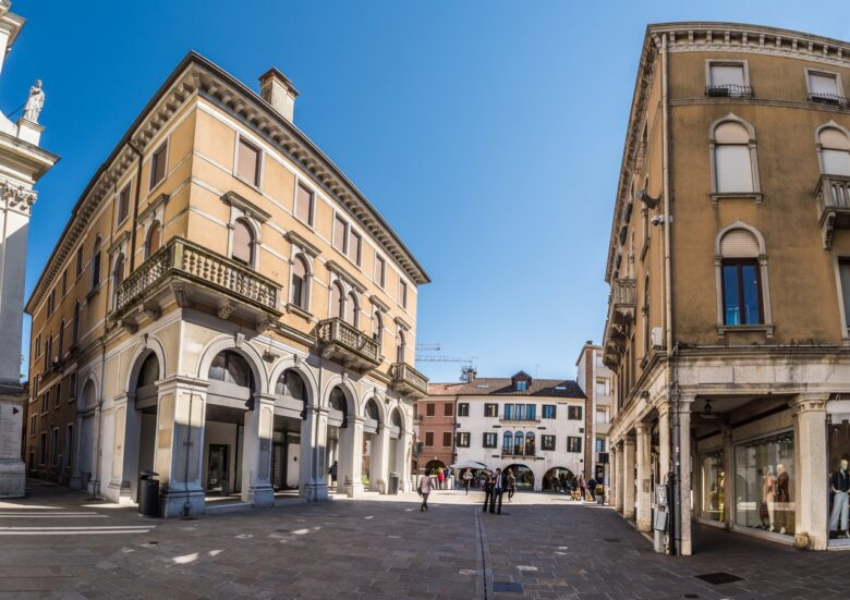 Mestre, best option to stay close to Venice on a budget